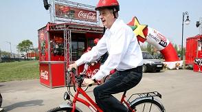 Sorin Opresu pe bicicleta